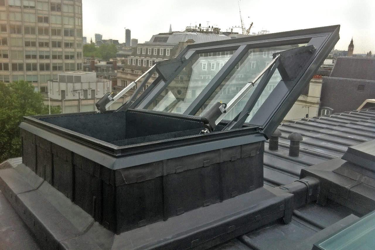 Glazed-Smoke-Vent-London-concealed